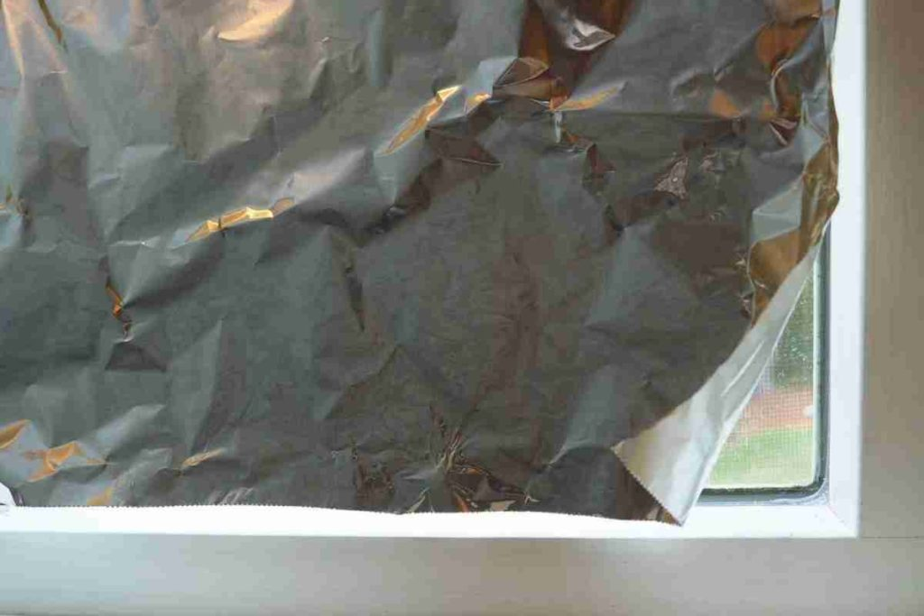 Aluminium Foil On Windows: What Is the Reason Behind It?