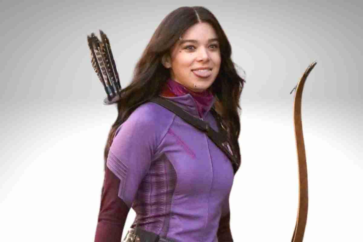 Hawkeye Producer & Hailee Steinfeld Explain Clint & Kate's Dynamic (3) (1)