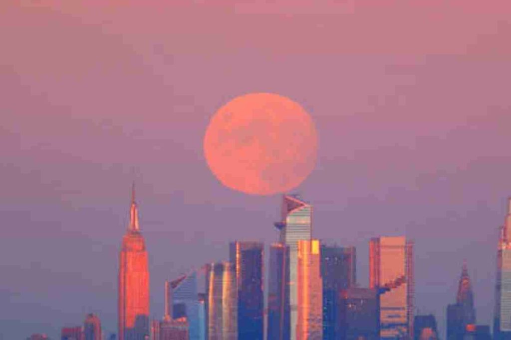 How to View the Harvest Moon,The Last Complete Moon of Summer 2021 (1)